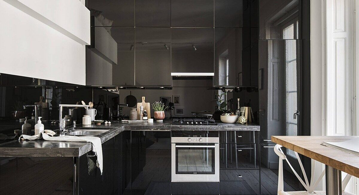 Cocinas elegantes: tonalidades oscuras